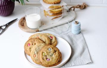 Bánh cookie M&M dẻo