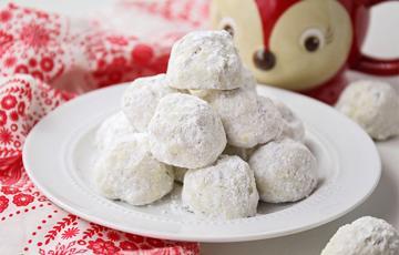 Bánh cookie snowball Giáng Sinh