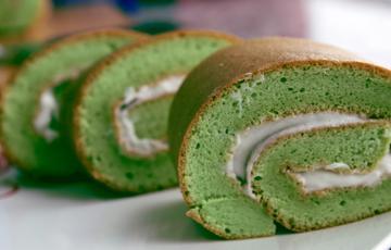 Bánh cuộn lá dứa