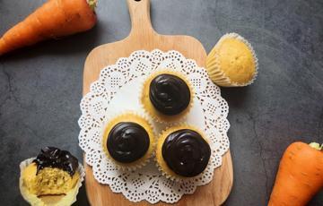 Bánh cupcake cà rốt kiểu Brazil