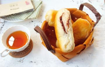 Bánh mì ngọt nhân đậu đỏ