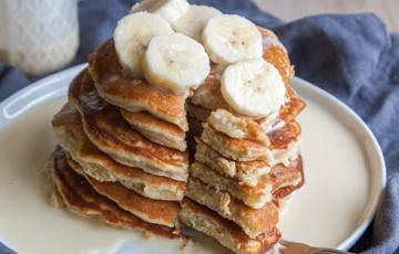 Bánh Pancake chuối nghiền