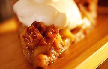 Bánh táo bằng lò vi sóng