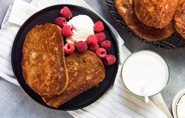 Bánh toast bơ đường quế