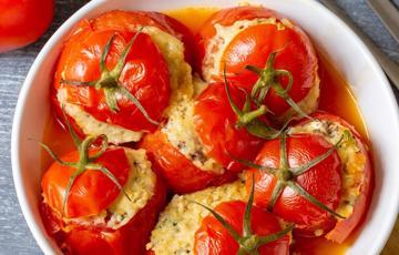 Cà chua nhồi thịt bò