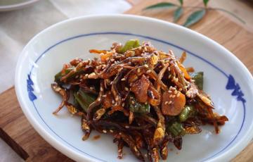 Cá cơm sốt tương ớt Hàn Quốc