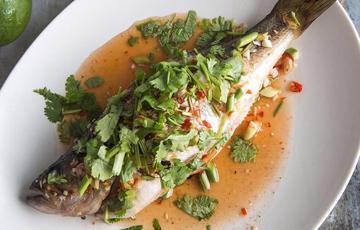 Cá nướng sốt chanh kiểu Thái