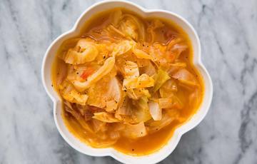 Canh cà chua bắp cải