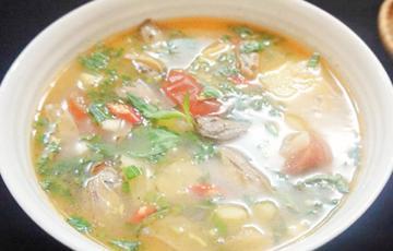 Canh chua chem chép nấu thơm