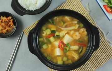 Canh đậu tương hải sản Hàn Quốc