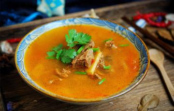 Canh thịt bò hầm cà chua hành tây