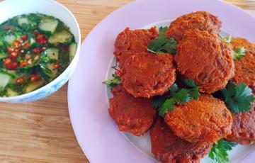 Chả cá ngừ cà ri kiểu Thái