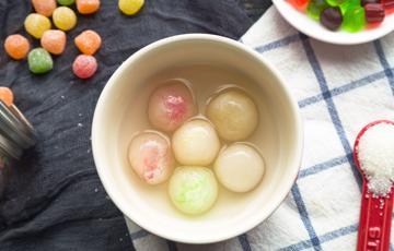 Chè bột lọc nhân kẹo màu
