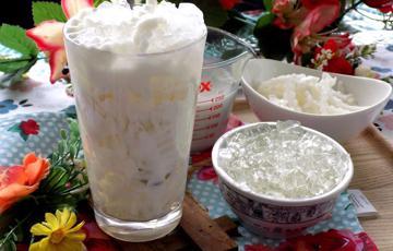 Chè dừa dầm rau câu
