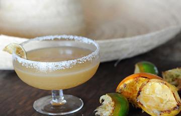 Cocktail margarita hoa quả nướng