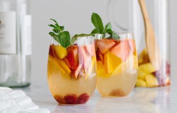 Cocktail trái cây nhiệt đới