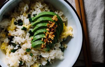 Cơm chiên bơ trứng đậu đũa