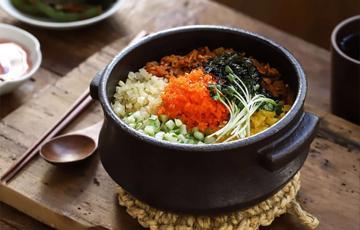 Cơm trộn kimchi rau củ