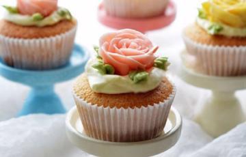 Cupcake hoa hồng