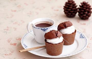 Cupcake phủ kem cacao