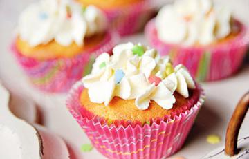 Cupcake vani đào