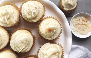 Cupcake vani kem dừa