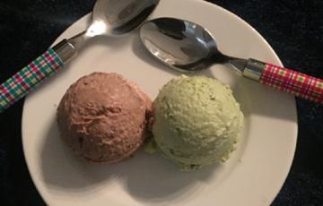 Kem chocolate và trà xanh siêu dễ