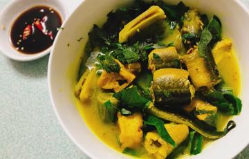 Lươn nấu chuối đậu