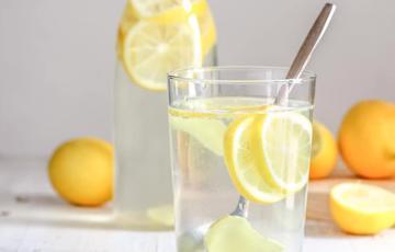 Nước chanh gừng detox