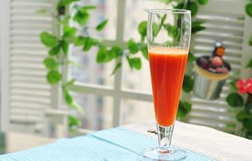 Nước ép táo mix cà rốt