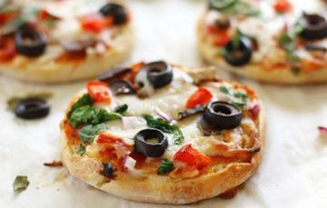 Pizza rau củ mini