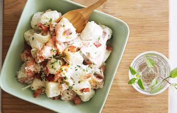 Salad cá hồi khoai tây giảm cân