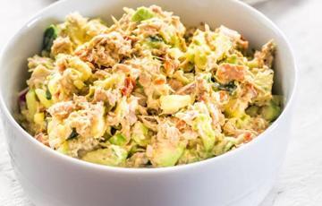Salad cá ngừ bơ