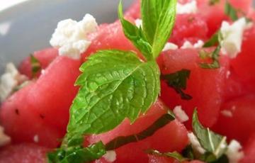 Salad dưa hấu trộn