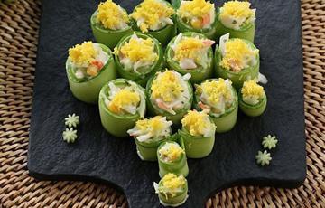 Salad dưa leo rắc trứng