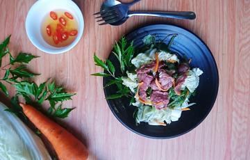 Salad rau càng cua trộn cải thảo