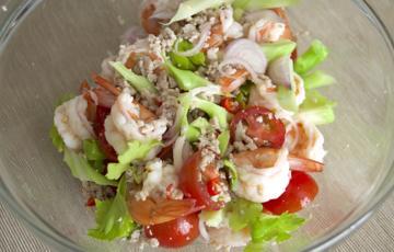 Salad tôm thịt đơn giản