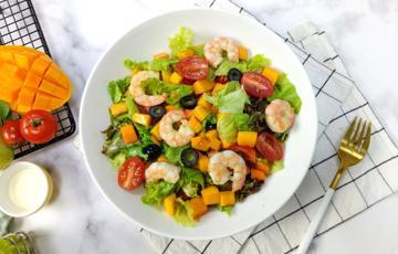 Salad tôm xoài sốt sữa chua