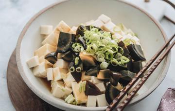 Salad trứng bắc thảo đậu hũ