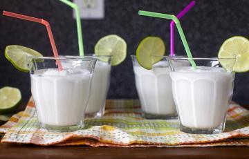 Sinh tố chanh nước cốt dừa