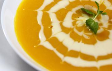 Soup bí đỏ kem tươi