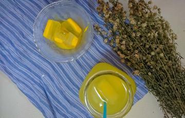 Sữa nghệ đá viên pha chanh mật ong