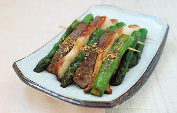 Thịt bò nướng măng tây