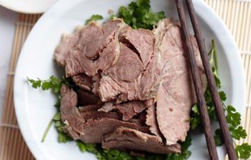 Thịt cừu luộc sốt cay