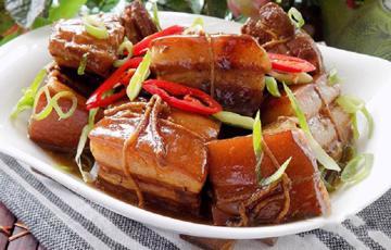 Thịt kho Đông Pha nóng hổi
