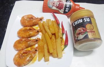 Tôm rim khoai tây nước dừa với tương ớt siêu cay CHIN-SU