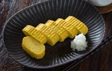 Trứng chiên cuộn Nhật Bản
