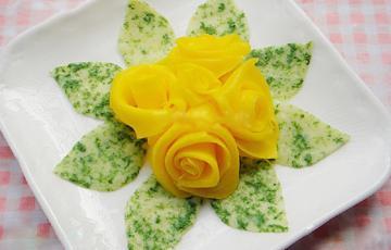Trứng cuộn hoa hồng