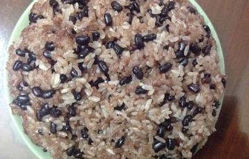 Xôi nấu đậu đen