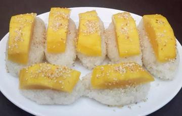 Xôi trái xoài nước cốt dừa